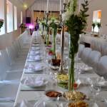 Laud koos toitudega