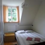 Kahene tuba, laia voodiga