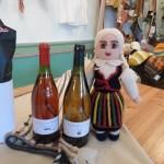 Marja-puuvilja veinid- punane sõstar 2011, õun 2011; Kootud nukk rahvariietes